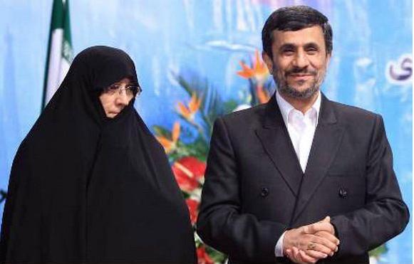 چه کسی پاسخگوی صدمات جبرانناپذیر احمدینژاد به کشور است؟  محاکمه احمدینژاد باید در محکمه افکار عمومی صورت بگیرد.