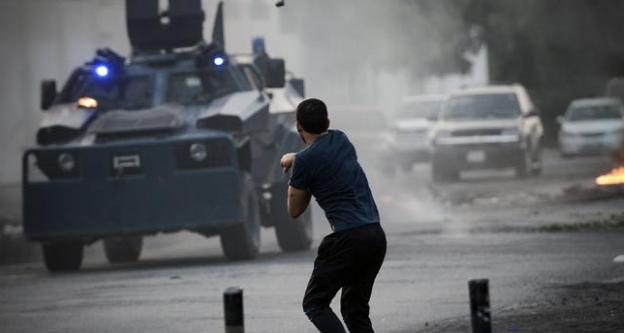 جنگ حکومت ایران با دگراندیشان، از سهراب احمری
