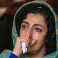 خبرگزاری هرانا: نرگس محمدی که اینک دوران محکومیت خود را در بند زنان زندان اوین میگذارند، با نگارش دلنوشتهای خطاب به بهاره هدایت، آزادی او را که بهتازگی از زندان […]