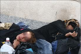 کارتنخواب چهار ماهه احتمالا معتاد هم هست، معضلی به نام کودکان بی خانمان، از نیوشا صارمی: