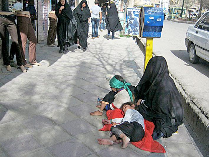 فاجعه در ایران آخوند زده، برخی زنان عمدا نوزاد معلول به دنیا میآورند!